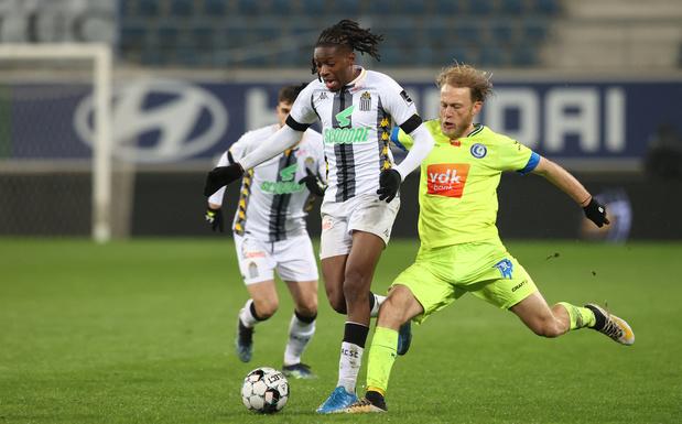 Charleroi prend l'eau à Gand et peut faire une croix sur les Playoffs 2