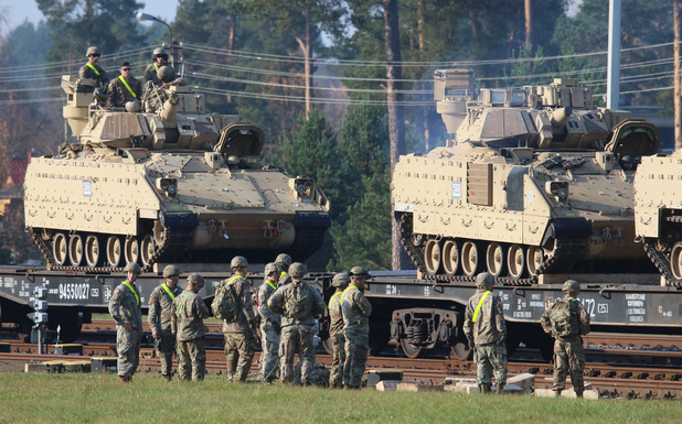 """Les Etats-Unis déplacent des troupes et des chars en Lituanie, un """"message à la Russie"""""""