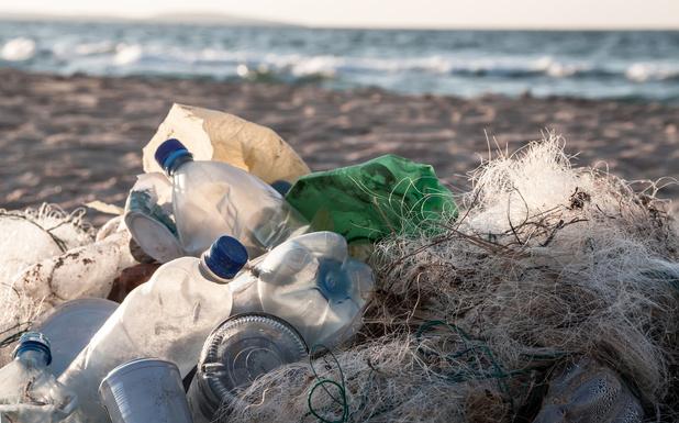 Belgische vissers aangespoord om afval uit zee te halen
