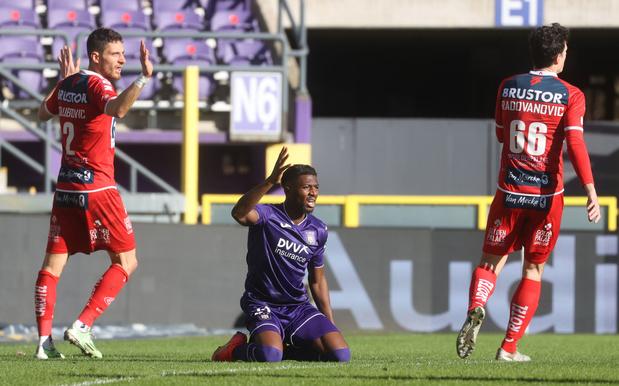 Kortrijk smeert offensief onmondig Anderlecht zure thuisnederlaag aan