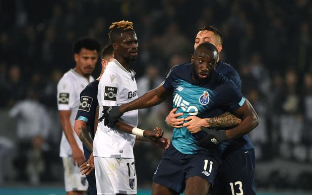 Victime de cris racistes, un joueur de Porto quitte le terrain