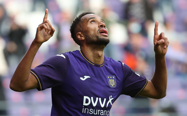 Anderlecht boekt eerste winst tegen tienkoppig Seraing