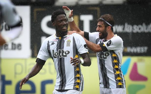 Charleroi bat l'Antwerp, signe un 4e succès de rang et prend seul la tête