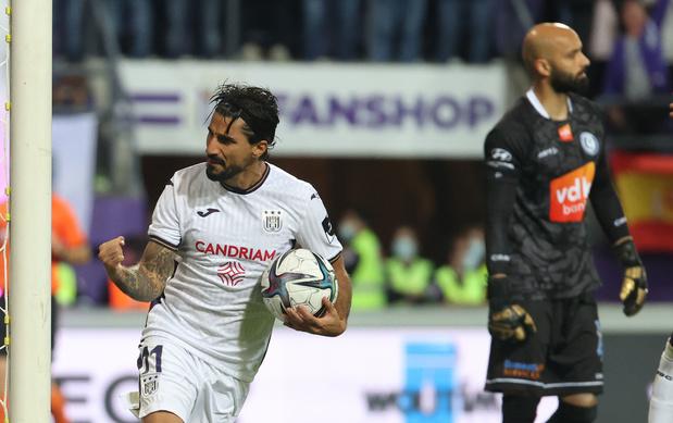 Anderlecht en AA Gent spelen gelijk na matig duel: 1-1