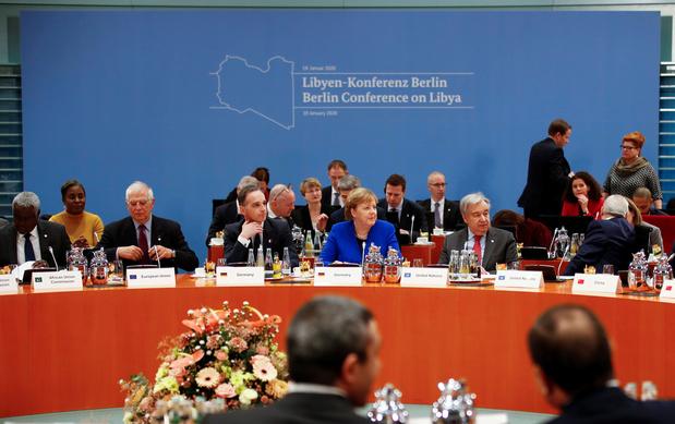 Début d'un sommet international crucial pour tenter de pacifier la Libye
