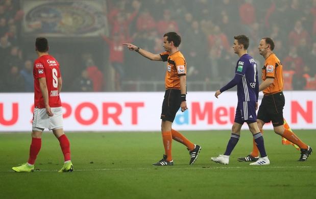 'Wat de fans van Anderlecht op Standard aanrichtten, hoort (helaas) thuis in een veel breder plaatje'