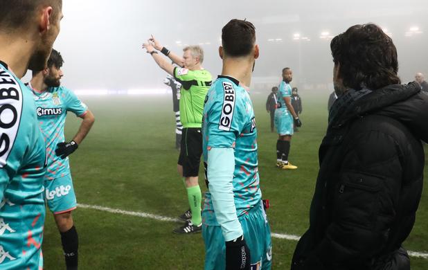 Le match Charleroi-Malines définitivement arrêté en raison du brouillard
