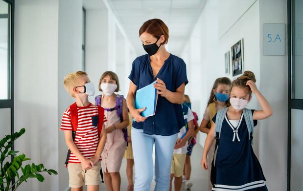 Niet meer ziekenhuisopnames of ernstige Covid-19 bij leerkrachten