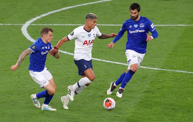 Tottenham gagne un match et deux places