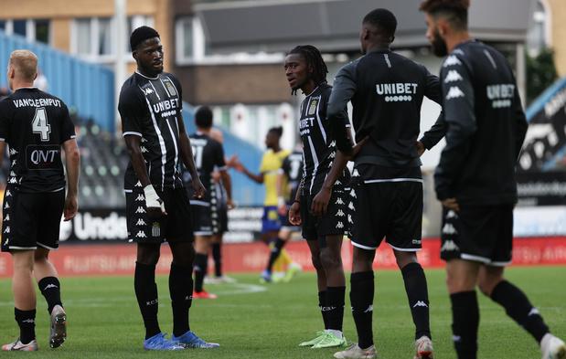 Pro League: Charleroi bloqué par Saint-Trond