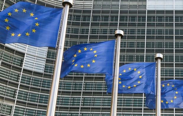 """Paris en quête d'un soutien des """"frugaux"""" au plan de relance européen"""