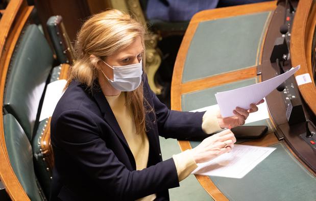 Mesures Covid: l'opposition éreinte la loi pandémie, la majorité est prête à l'amender