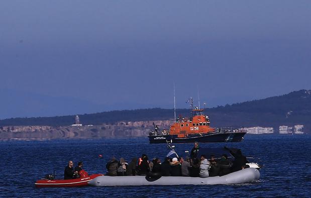 Griekenland roept noodsituatie uit aan grens na toestroom migranten uit Turkije