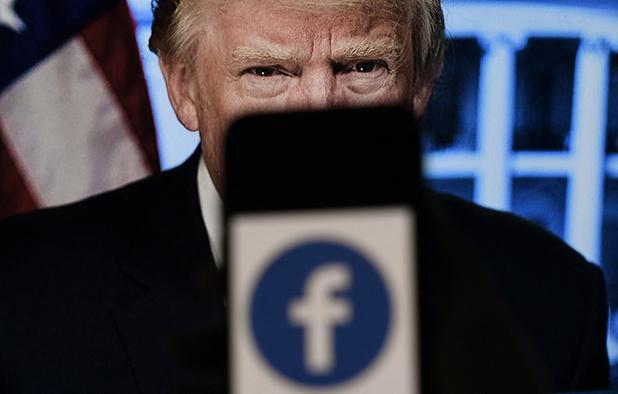 """Trump réagit à son exclusion de Facebook: """"une honte absolue"""""""