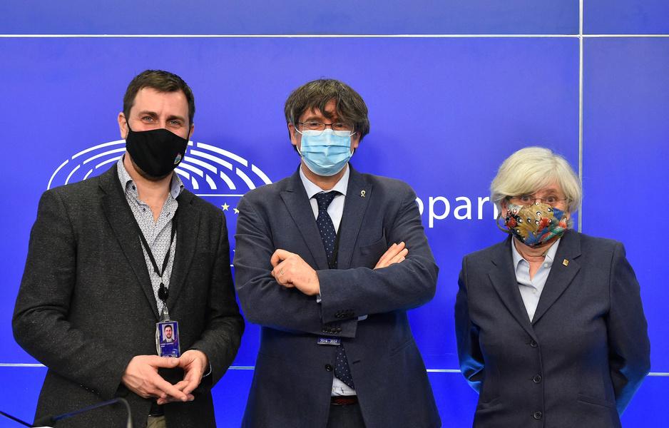 Puigdemont en co. zijn immuniteit kwijt: hoe stemden de Vlaamse partijen?