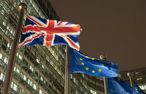 """Brexit: Londres salue """"un élan"""" dans les discussions"""