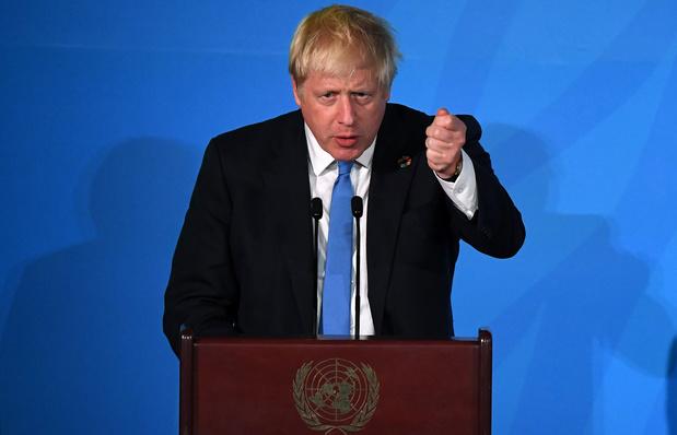 Le Parlement force la main à Johnson, contraint de demander un report du Brexit