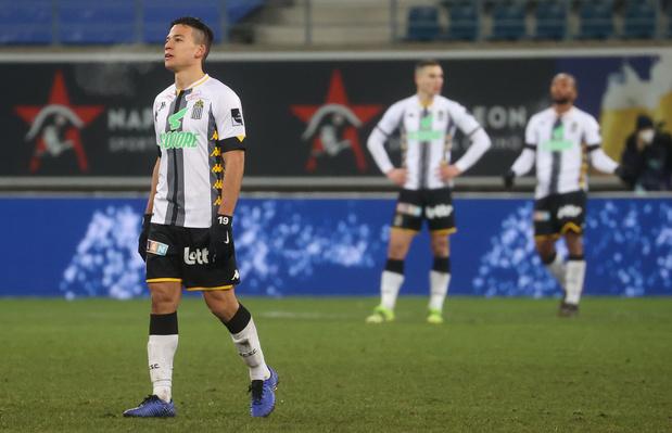 Sporting de Charleroi-Genk: faux pas interdit!