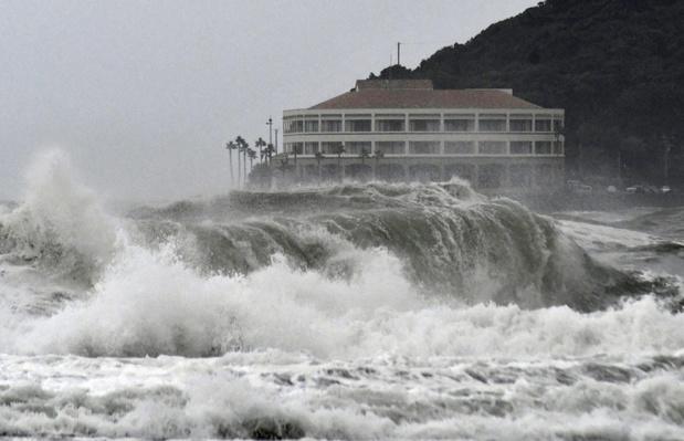 Le Japon se prépare au passage du cyclone tropical Krosa