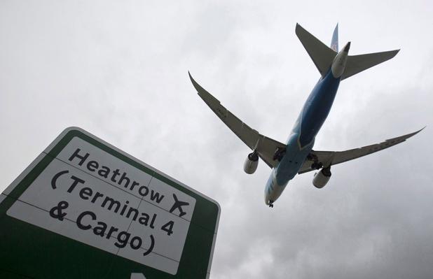 GB: émoi après la découverte du corps d'un clandestin présumé tombé d'un avion à Londres