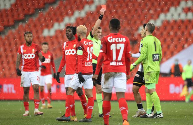 Standard-Charleroi: un match de suspension avec sursis requis pour Penneteau