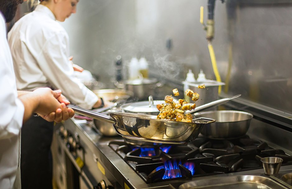 'Altijd op zoek': waarom vinden chefs geen personeel meer?