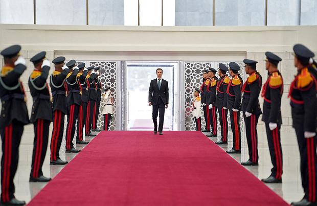 Assad prête serment pour un quatrième septennat