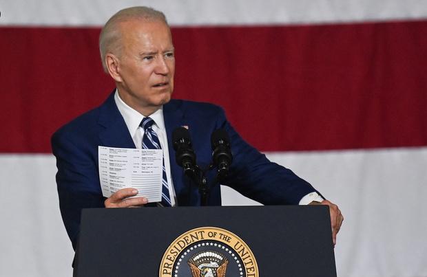 """Biden veut """"réinventer"""" l'économie américaine"""