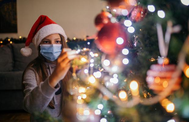 Covid: annulation au Québec des rassemblements à Noël