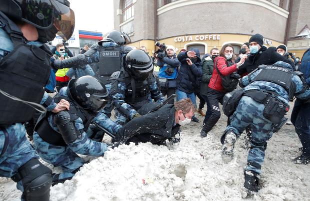 '5000 arrestaties bij Navalny-protesten'