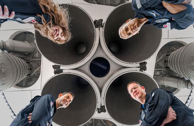 Les premiers touristes spatiaux de SpaceX prêts à décoller mercredi