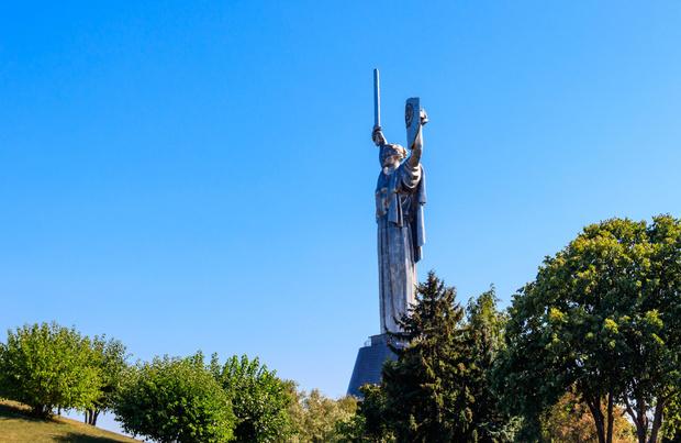 Ukraine: un militant bélarusse retrouvé pendu