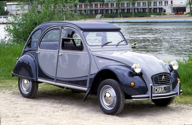 Citroën fête les 40 ans de la 2CV Charleston
