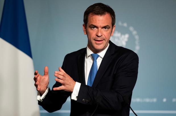"""Quatorzaine au Royaume-Uni: la France """"regrette"""" et promet """"la réciprocité"""""""