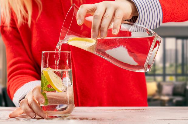 55-plussers hebben meer last van kraanwaterschaamte