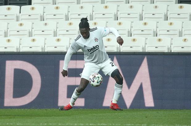 L'ancien Anderlechtois Fabrice Nsakala victime d'un malaise en plein match