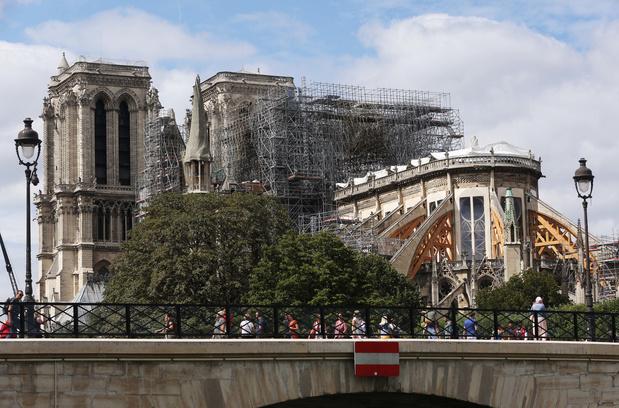 Notre-Dame: six mois après, une reconstruction toujours en questions