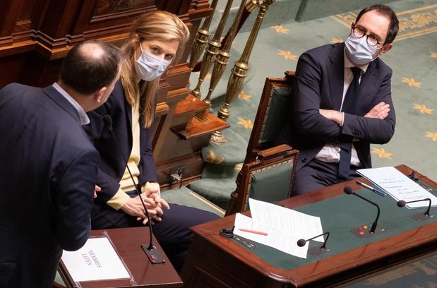 Loi pandémie: les débats fusent à la Chambre