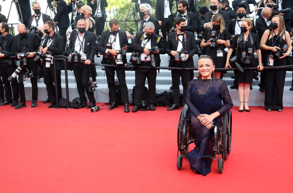Cannes en images: pendant ce temps-là, sur les marches du Palais des festivals