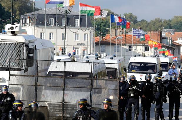 """Les anti-G7 revoient leurs ambitions à la baisse face au """"climat sécuritaire"""""""