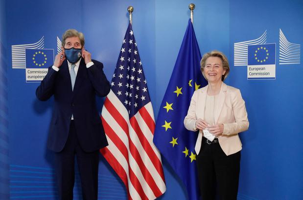 Climat: à Bruxelles, John Kerry plaide pour renforcer la coopération USA-UE