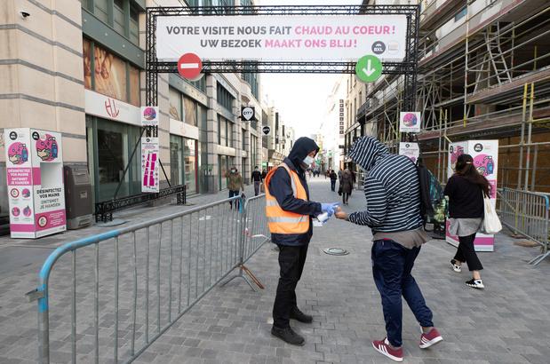 La rue Neuve temporairement et partiellement fermée lors du premier jour des soldes