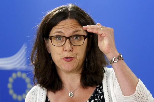 """L'OMC traverse une """"crise profonde"""", prévient la commissaire européenne"""
