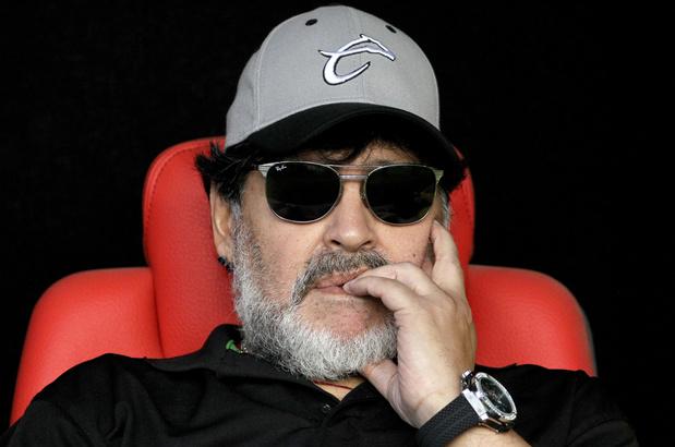 Diego Maradona est le nouvel entraîneur du club argentin de Gimnasia