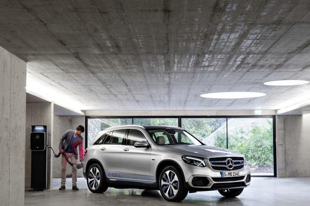 Mercedes rappelle près de 300.000 voitures en raison d'un risque d'incendie