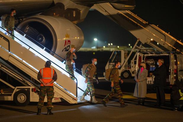 Eerste Belgische militairen terug uit Kaboel na evacuatiemissie
