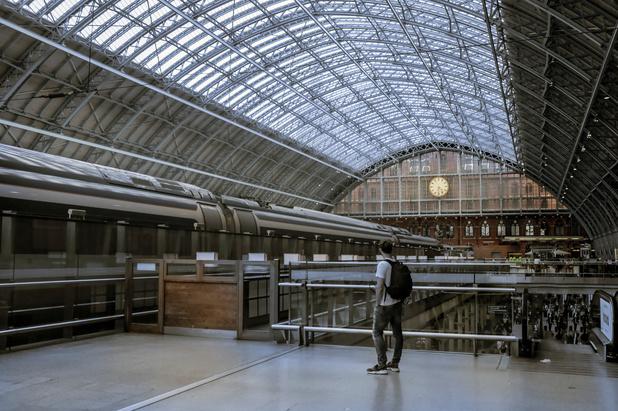 Début d'une longue grève dans des trains de banlieue londonienne