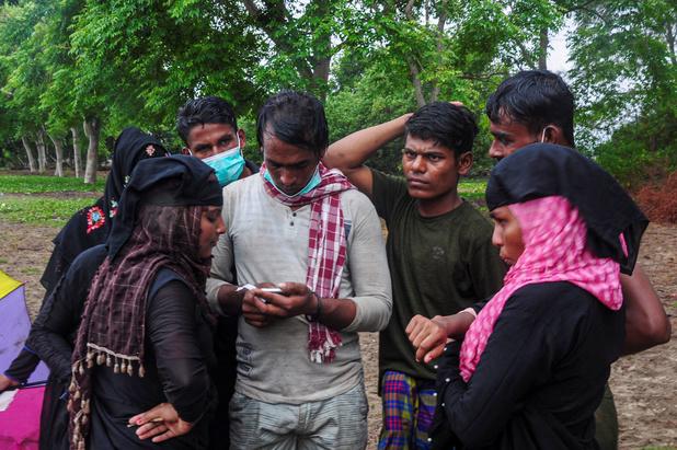 Schip met Rohingya-vluchtelingen strandt na bijna 4 maanden in Indonesië