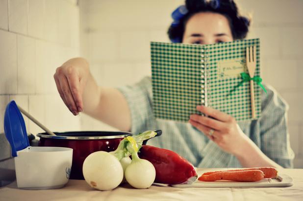 Het favoriete kookboek van Tom Van Lysebettens van Cochon de Luxe? 'Ons Kookboek was het enige kookboek dat we in huis hadden'