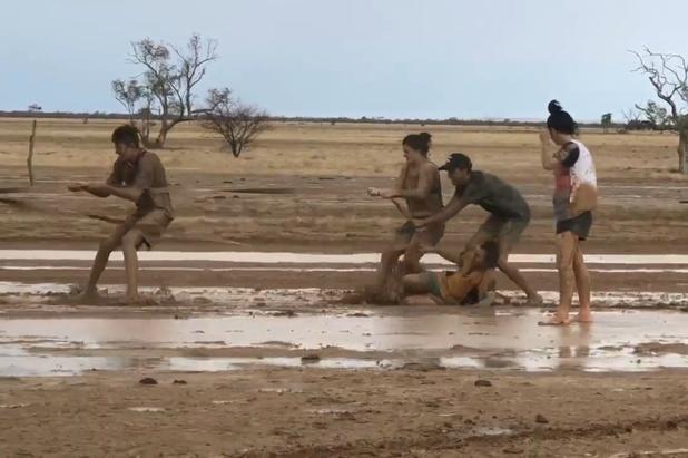 Overstromingen in bosbrandgebied Australië door hevige regen